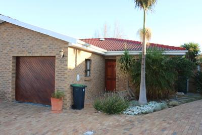 Property For Sale in Sonstraal Heights, Durbanville